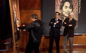 Shepard Fairey, Stephen Colbert och Steve Martin. Bild från video